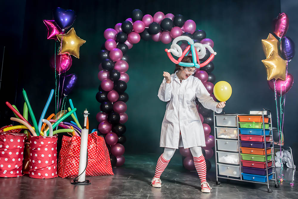 Balloon science show