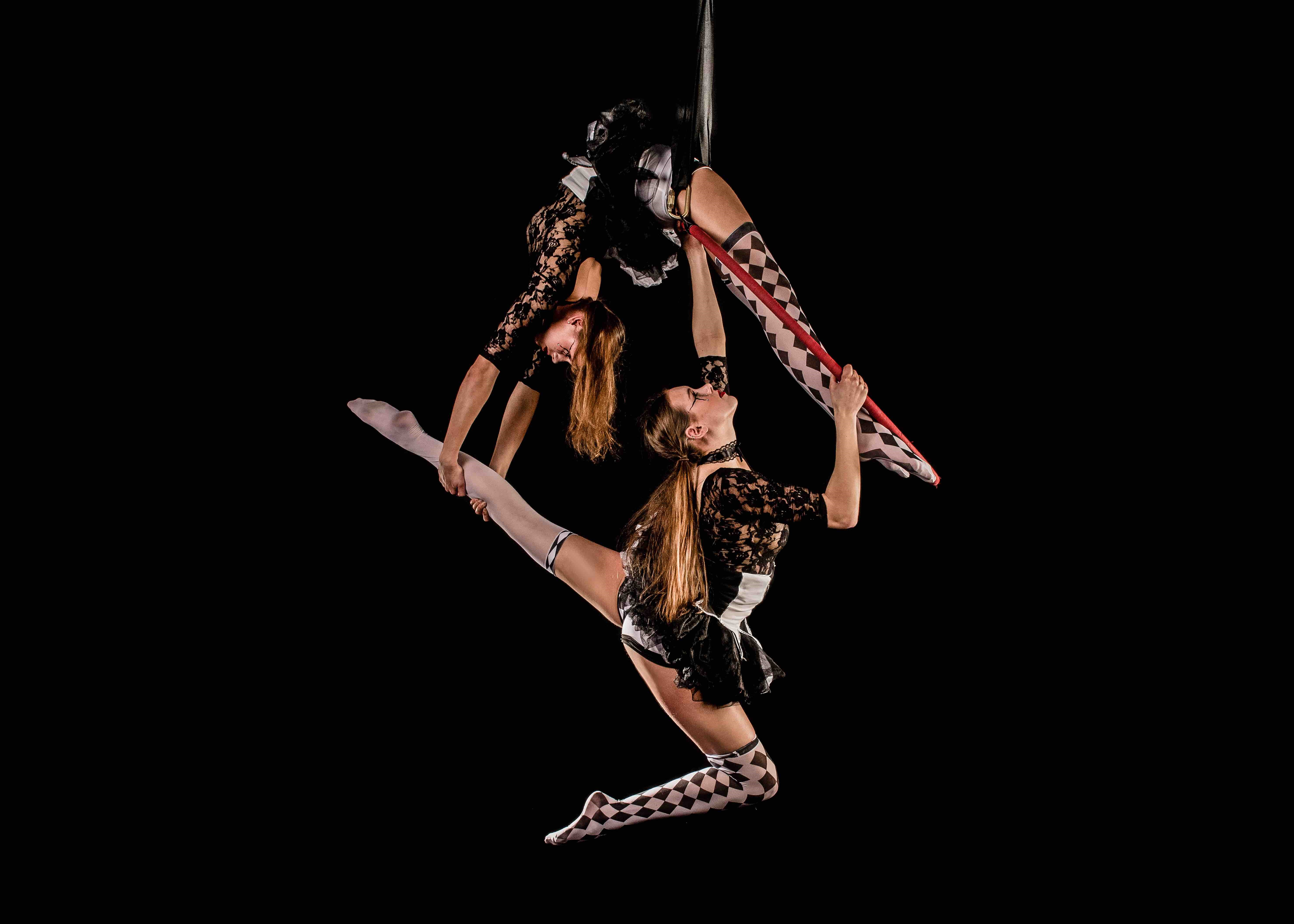 Circus performers for events